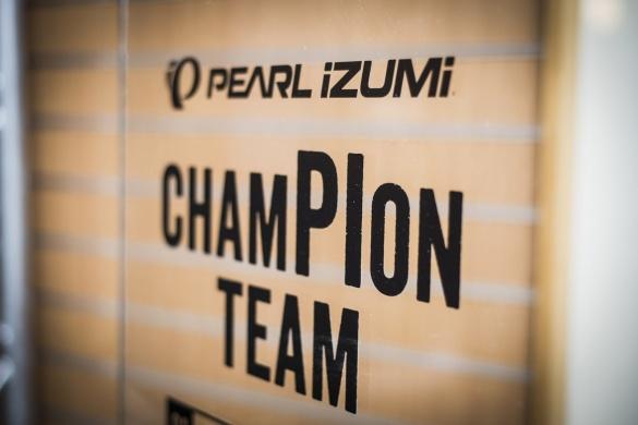 Pearl Izumi Champion